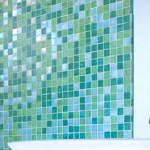 Как приклеить мозаику на стену