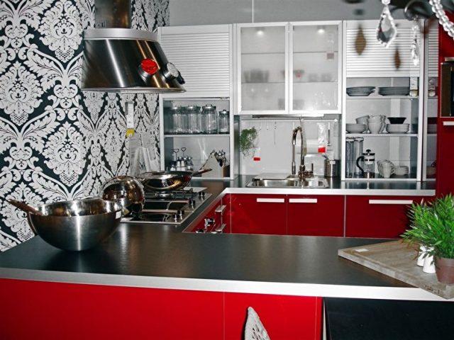 Какие моющиеся обои для кухни выбрать?