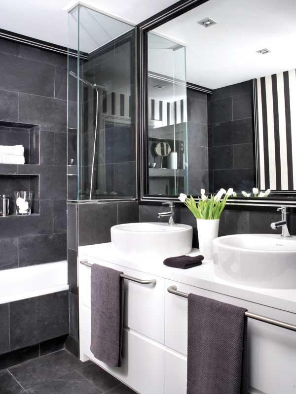 Ванная в черно белых цветах