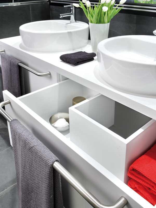 Дизайн ванной в черно-белом стиле