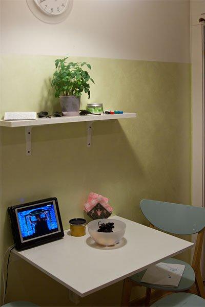 Окрашенная стена на кухне