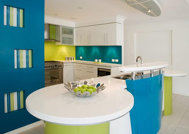 Кухня в холодных тонах - голубой с зеленым