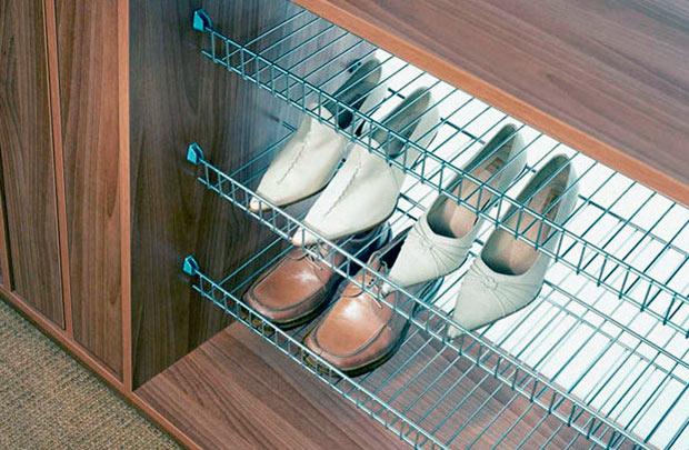 Зберігання взуття на полицях