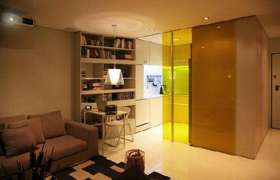Прозрачная перегородка для совмещенной кухни с гостиной