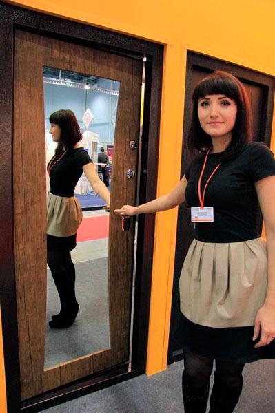 Оригинальная дверь с зеркалом