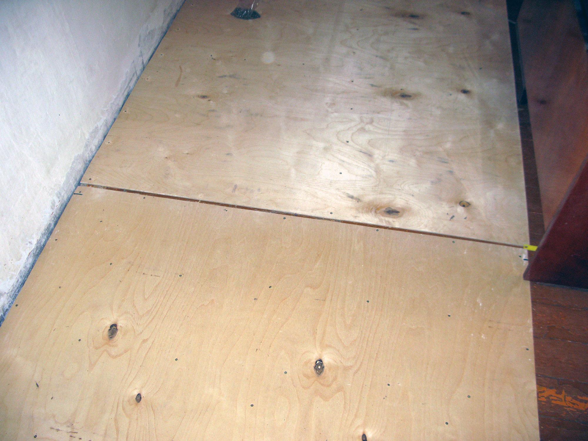 Заделка швов трещин в бетоне