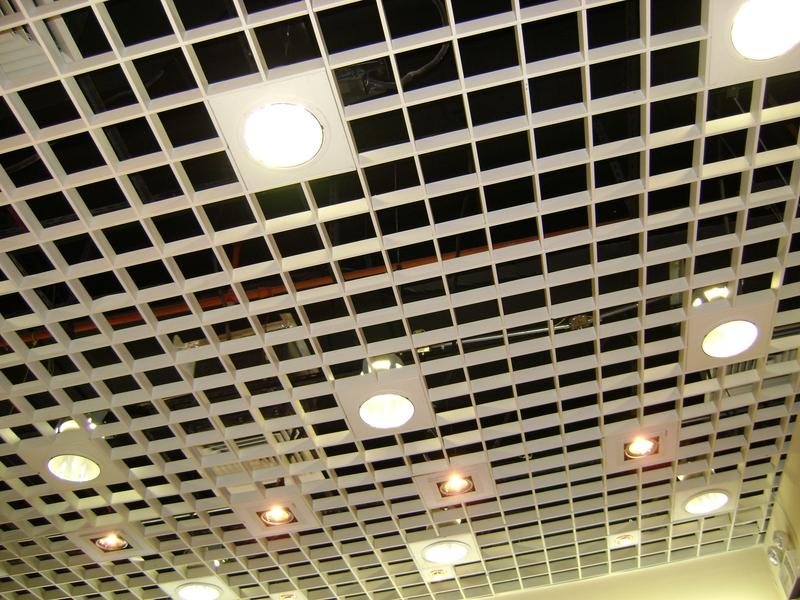 Решетчатая конструкция со встроенным светом