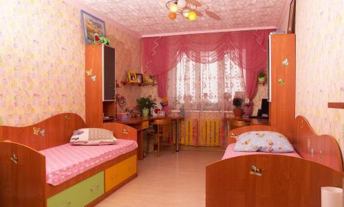 Детские кровати для двух девочек