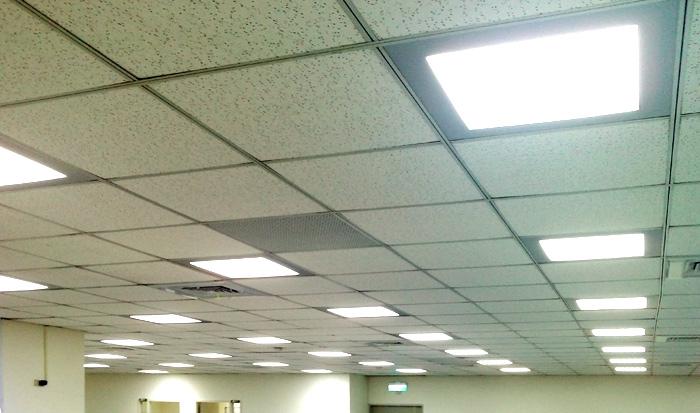 Comment poser du lambris au plafond salle de bain maison for Plaque polystyrene plafond