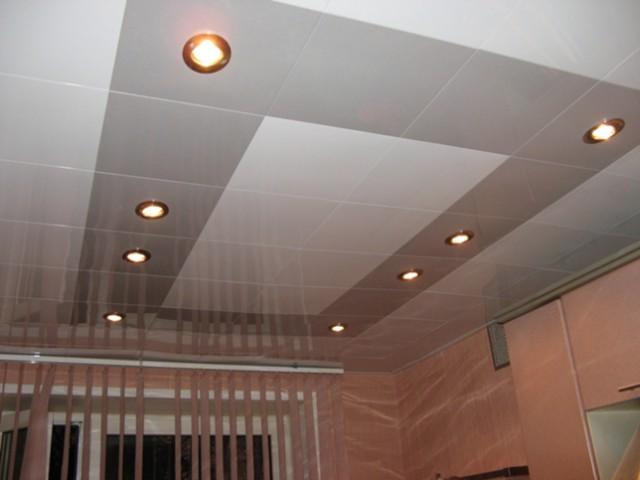 дизайн кассетного потолка в квартире