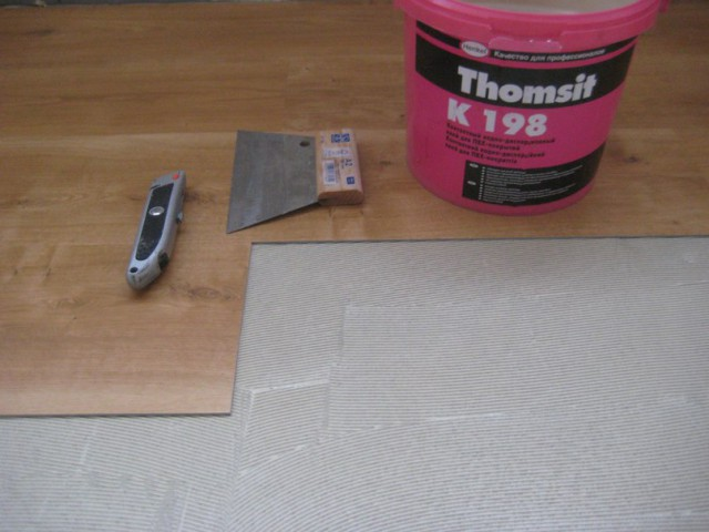 монтаж плиток на клей