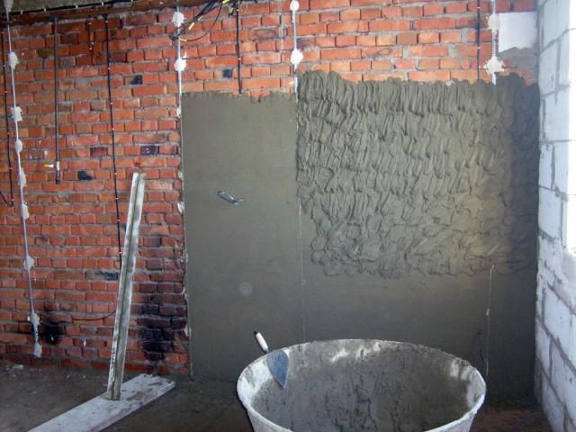 Штукатурка стен цементным раствором с добавлением извести