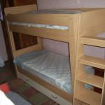 Детская двухэтажная кровать из ЛДСП