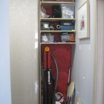 Узкий встроенный шкаф-купе в прихожую своими руками