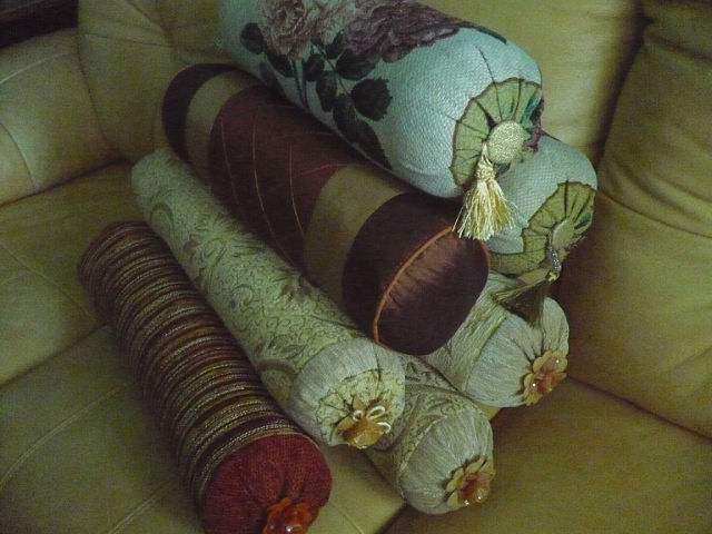 Подушки и валики для дивана своими руками 174
