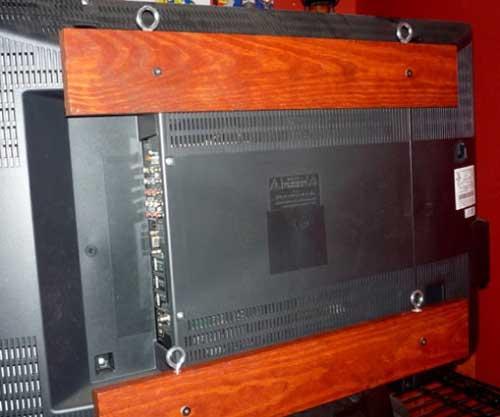 Как самостоятельно повесить телевизор на стену