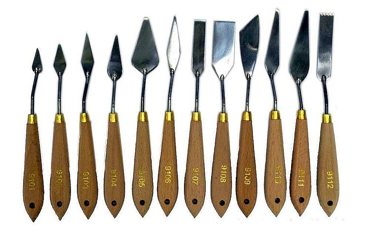 Какие нужны инструменты и материалы для гипсовых барельефов