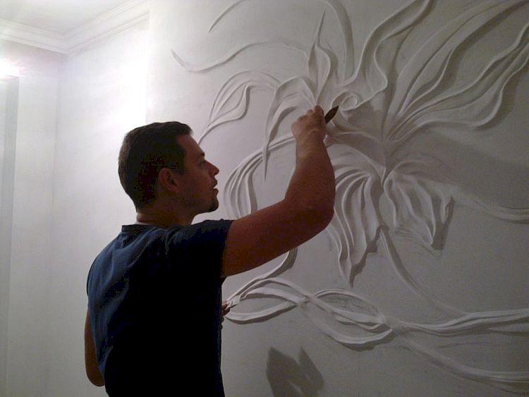 Создание барельефа и его крепление к стене