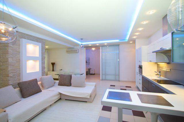 Евроремонт с подсветкой в квартире