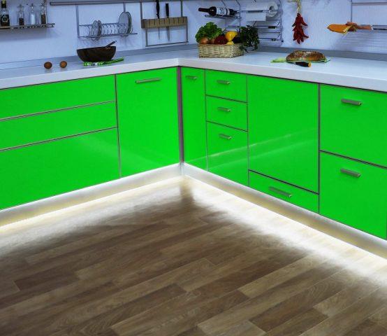Подсветка на кухонном полу