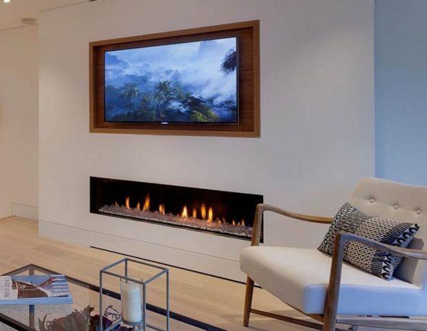 Сочетание камина и телевизора в дизайне
