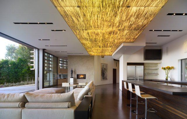 Идеи по отделке потолка в деревянном доме