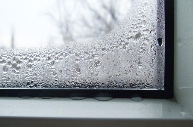 Запотевают пластиковые окна