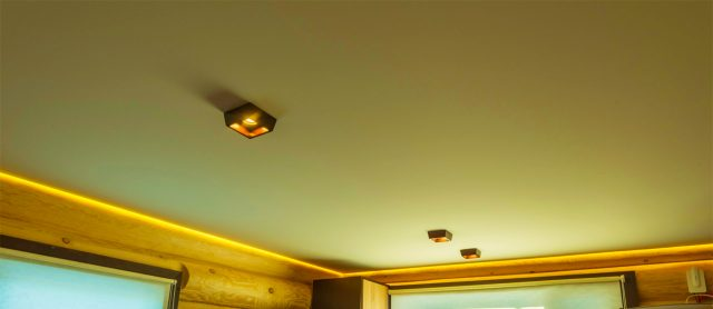 Натяжной потолок изполиэстеровой ткани
